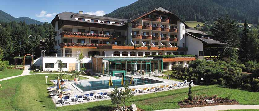 Hotel Kolmhof, Bad Kleinkirchheim, Austria - hotel exterior.jpg